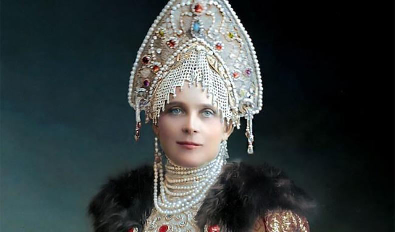 Оросын сүүлчийн хааны гэр бүлийнхэн багт наадмын үеэр... (Өнгө оруулсан зургууд)