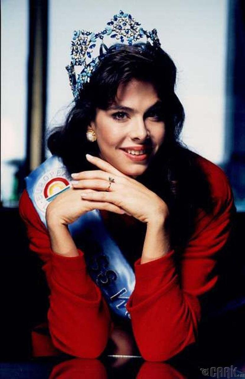 Жина Толлесон (Gina Tolleson), АНУ -1990