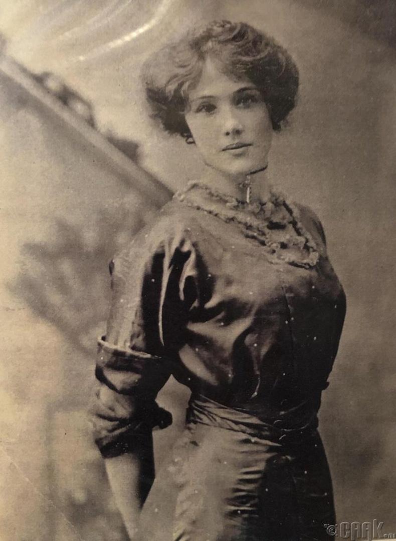 1900-аад оны үеийн загварлаг бүсгүй