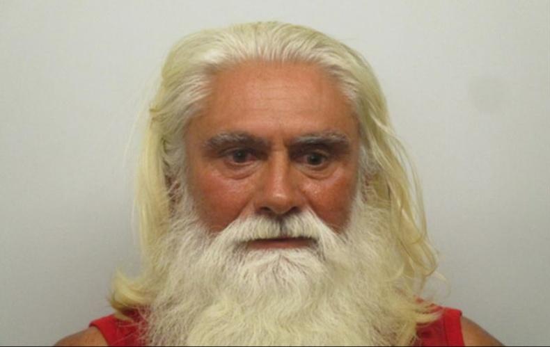 Санта Клаус кокайн зарсан хэргээр баривчлагджээ