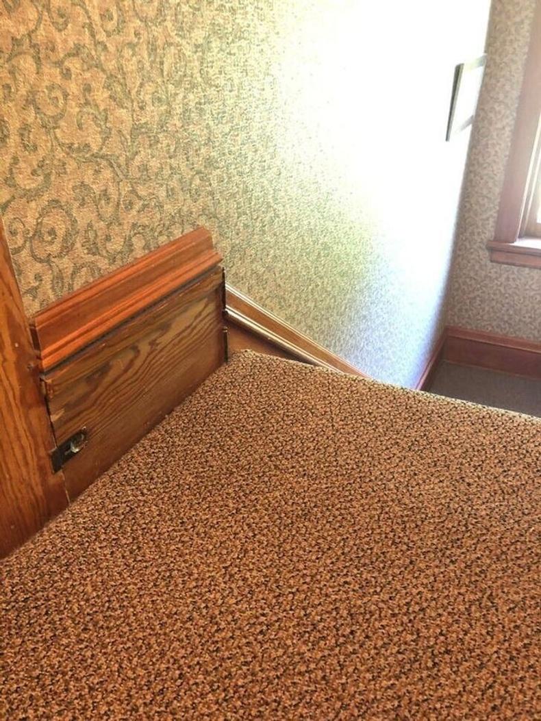 """""""Манай 130 гаруй жилийн настай хуучин байшингийн шатны дэргэд нууц өрөө байдаг."""""""