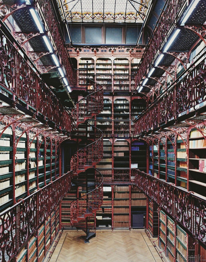 Төлөөлөгчдийн хоёрдугаар танхимын номын сан, Гаага, Нидерланд