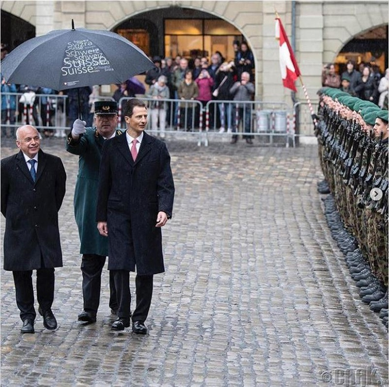 Швейцар Ерөнхийлөгчийн бүрэн эрхийн хугацаа нэг жил байдаг. Мөн өнгөрсөн 10 жилийн хугацаанд Швейцарын Ерөнхийлөгчөөр 5 эрэгтэй, 5 эмэгтэй хүн сонгогджээ