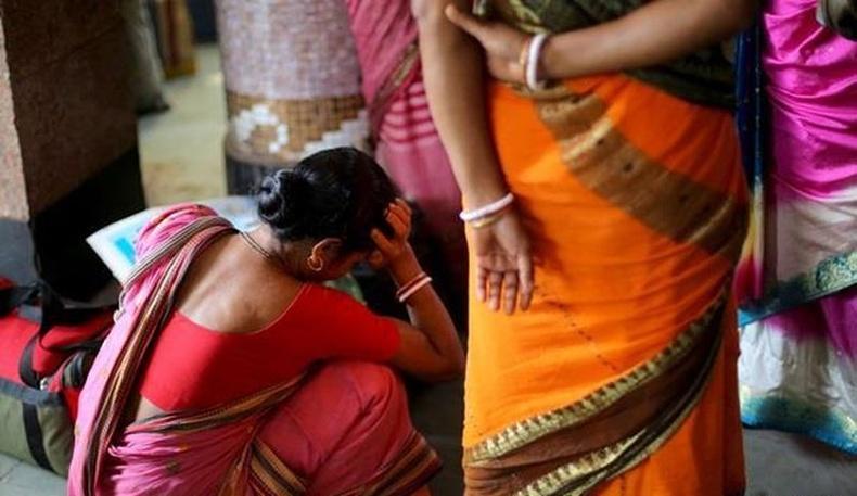 Энэтхэг залуу шинэ гар утас авахын тулд эхнэрээ 2400 доллароор заржээ