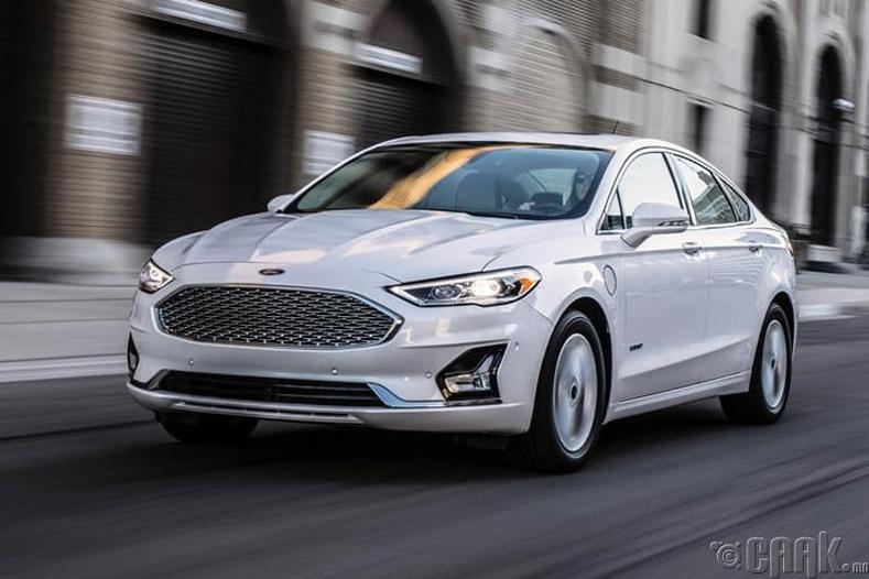"""""""Ford Fusion"""" - Хамгийн найдвартай гэр бүлийн седан"""