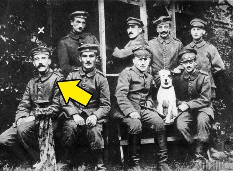 Нацист Германы удирдагч, Адольф Гитлер 24 насандаа...