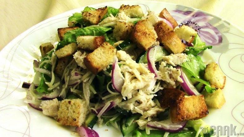Тахиа, шарсан талхтай салат