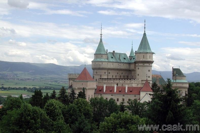 Словак - Нэг хүнд оногдох архины хэмжээ 10.96 литр