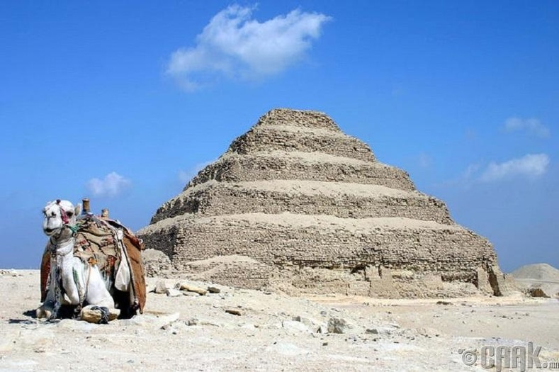 Анхны пирамид