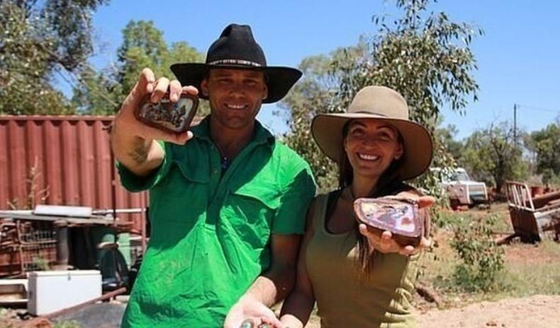 Хайгуул хийж амьдрахаар шийдсэн Австрали ах дүү хоёр 1.2 сая долларын үнэтэй гэрэлт чимэд чулуу олжээ