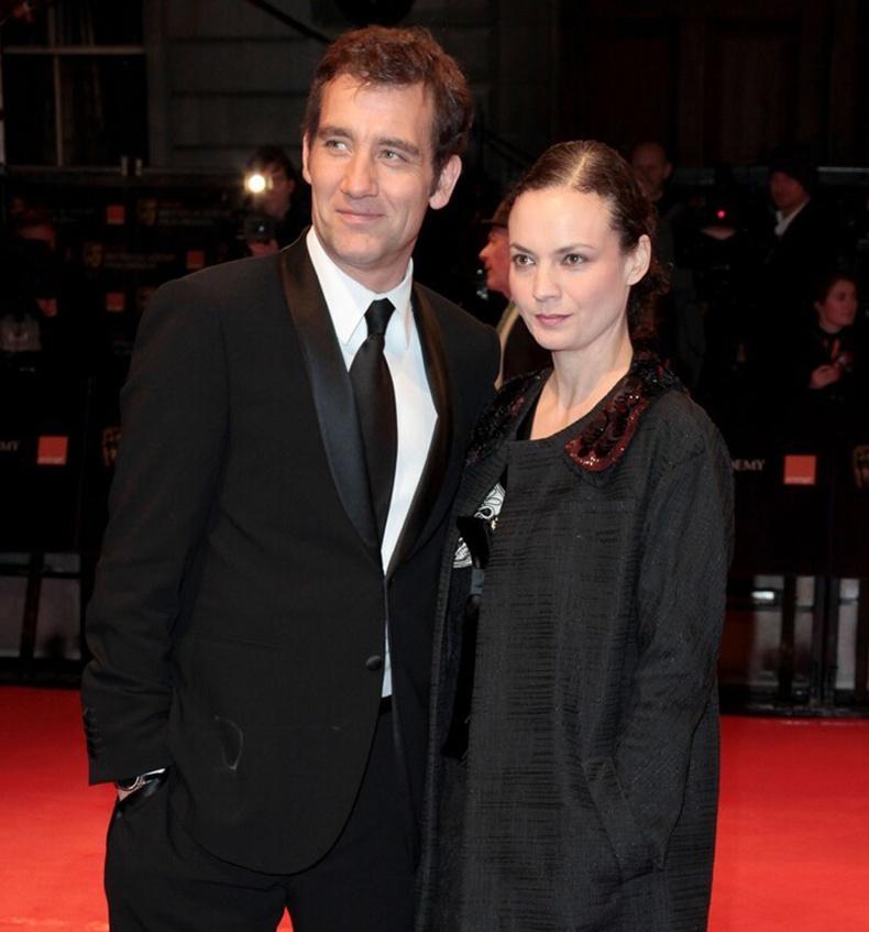 Жүжигчин Клайв Овен (Clive Owen)-ий эхнэр Сара Жэйн Фентон (Sarah-Jane Fenton)