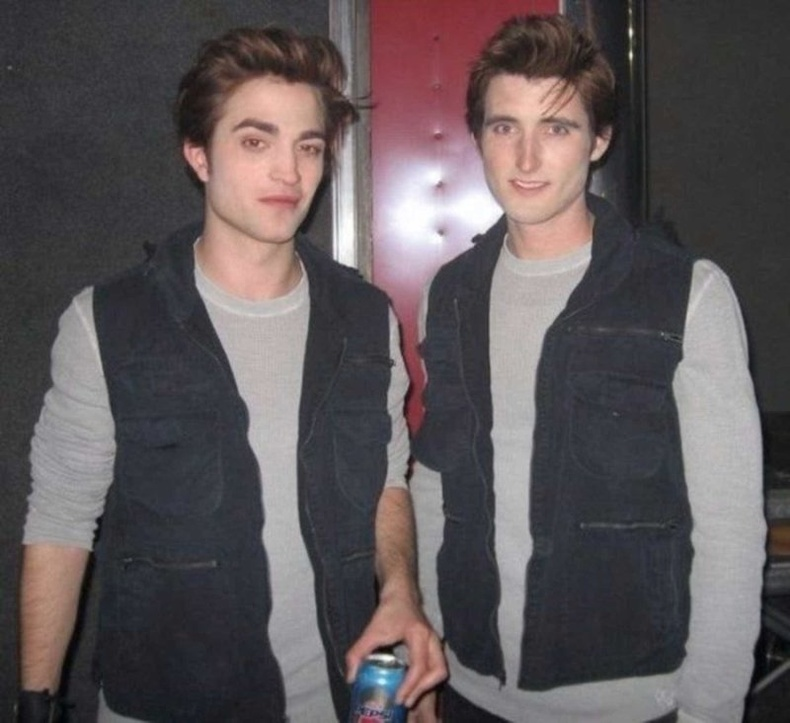 """Роберт Паттинсон """"Twilight"""" киноны орлон тоглогчийнхоо хамт"""