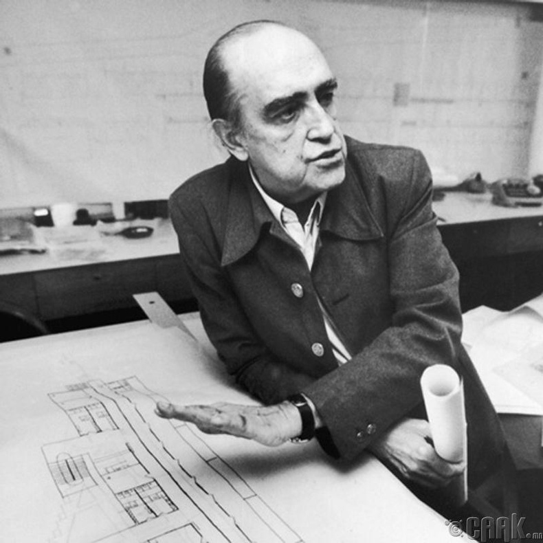 Оскар Ниэмэеэр (Oscar Niemeyer)