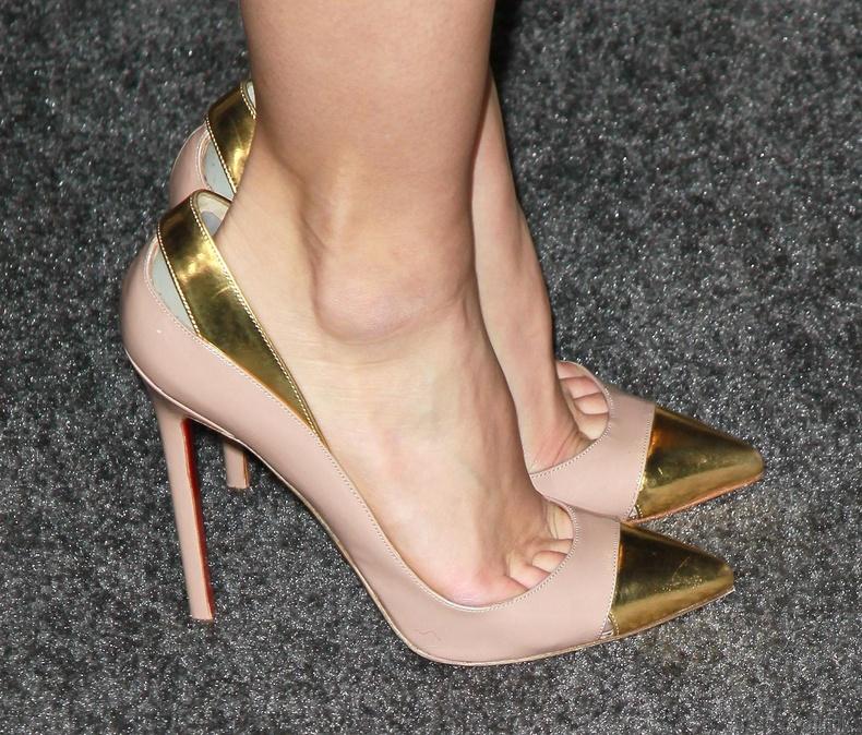 Хөл жижгэрнэ