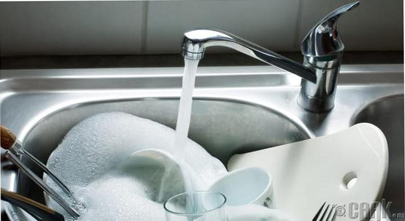 Билл Гэйтс аяга угаах дуртай