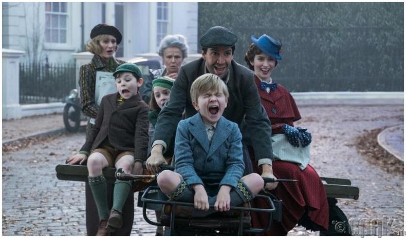 """Mary Poppins returns"""