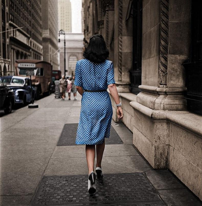 Нью Йоркийн гудамжинд, зургийг дарсан Стэнли Кубрик.