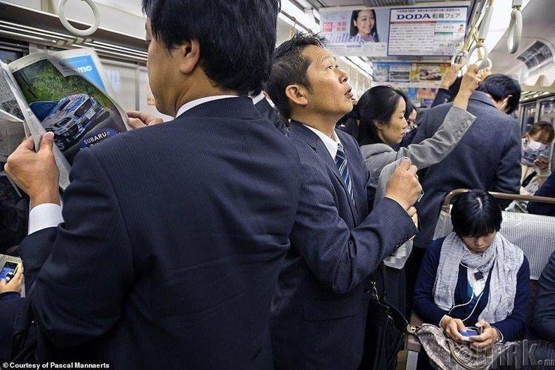 Токио хотын метро оргил үеэр
