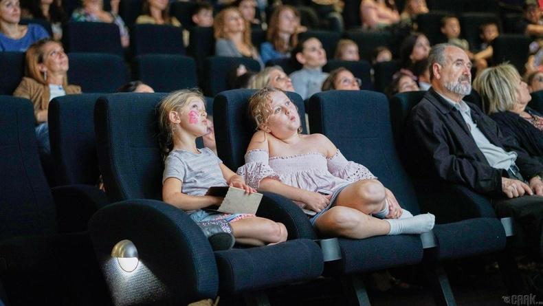 Кино театрт үзсэн хамгийн анхны кино
