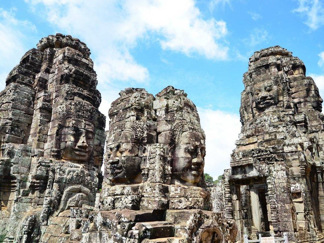 """""""Бэёон сүм"""" Сейм Рим хот, Камбож"""