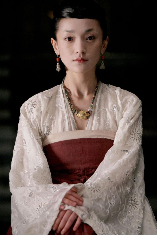 Жоу Шюнь (Zhou Xun), 45 нас