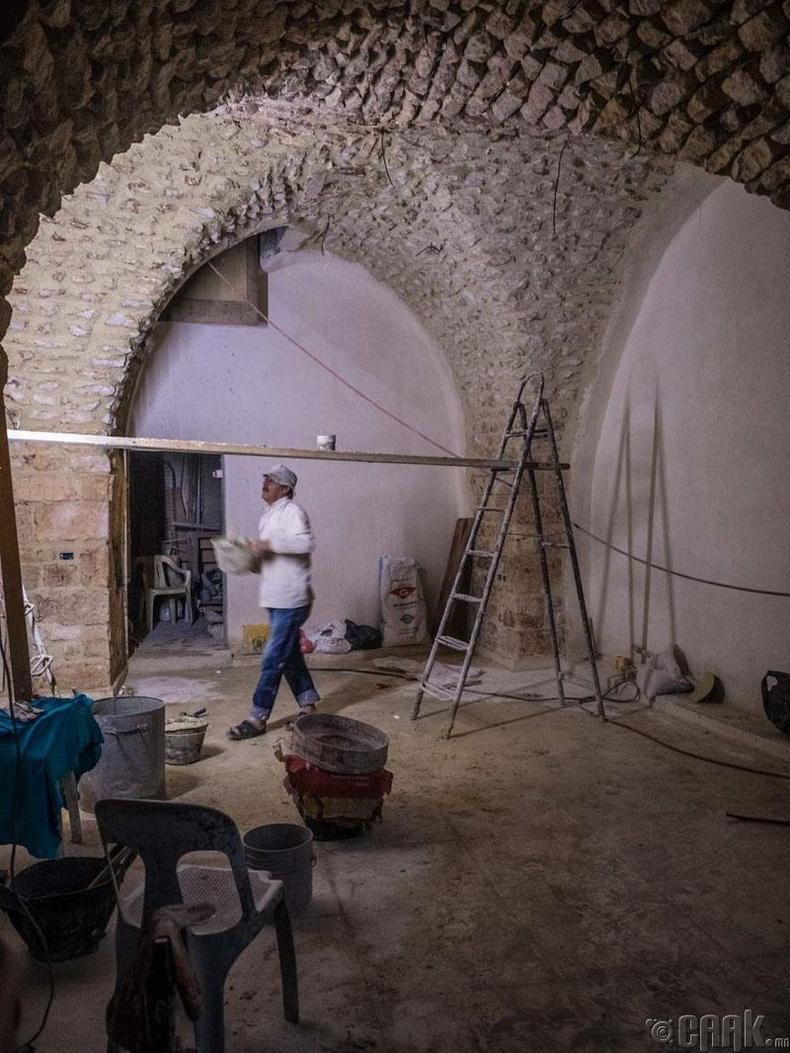 Алеппо хотын зах буцаад нээгдэхээр бэлтгэл ажлаа хангаж байна