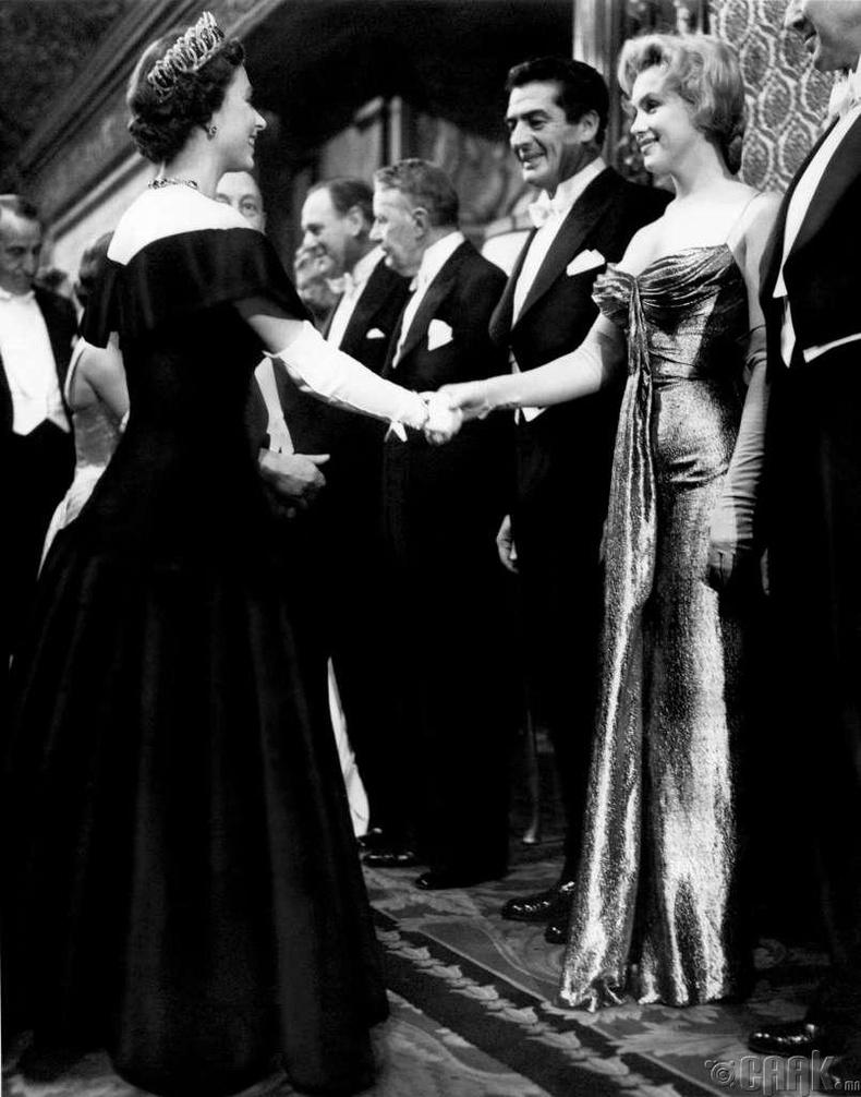 Хатан хаан II Элизабета, Мэрилин Монро нар 1926 онд төрсөн.