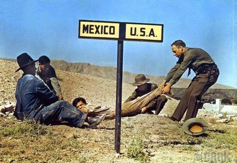 АНУ-руу хууль бусаар нэвтрэх гэсэн цагаачийг Мексик рүү буцааж байгаа нь - 1920-оод он