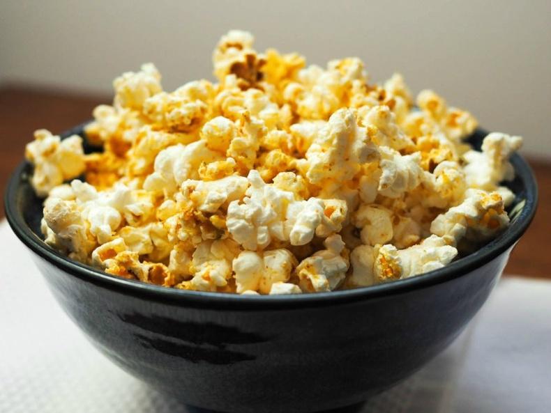 Кинотеарт зарагдаж буй попкорн