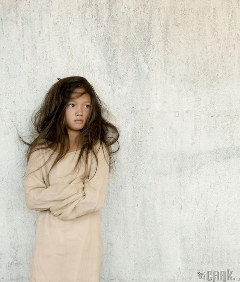 Лили Чи (13 нас) –Дорнын гоо үзэсгэлэнт охин