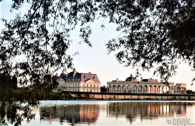 Бээжин дэх Мейсон-Лафитийн шилтгээн (Château de Maisons-Laffitte)