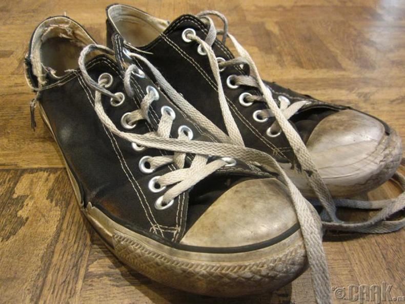 Хуучин гутал