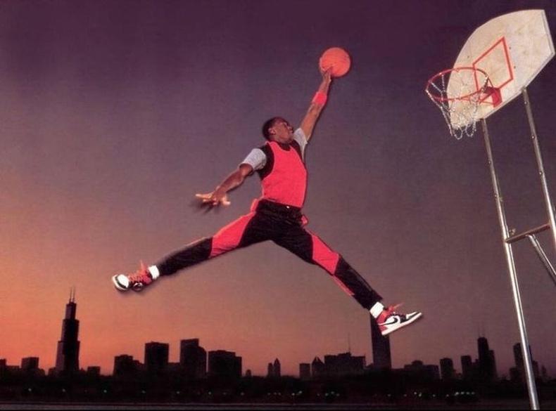 Майкл Жорданы хожим Air Jordan лого болсон зураг, 1984 он.