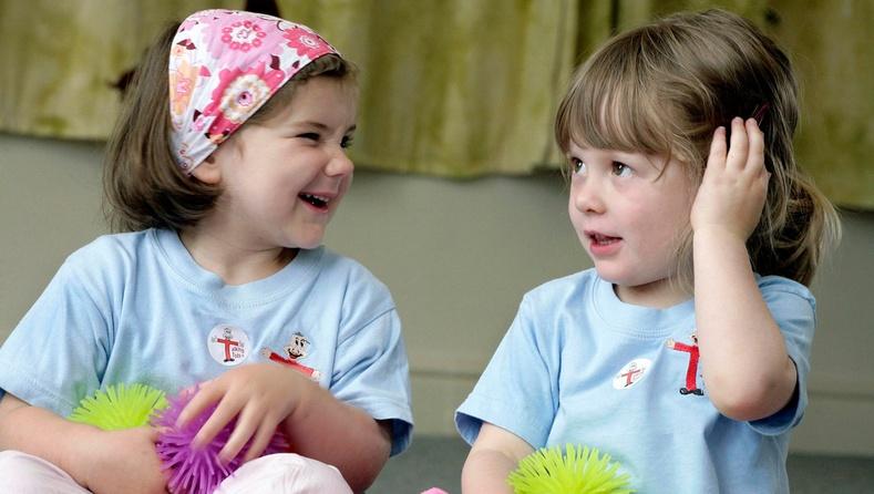 """Үг дуу цөөтэй болон """"яриа"""" хүүхдүүдийн аль нь илүү ухаалаг байдаг вэ?"""