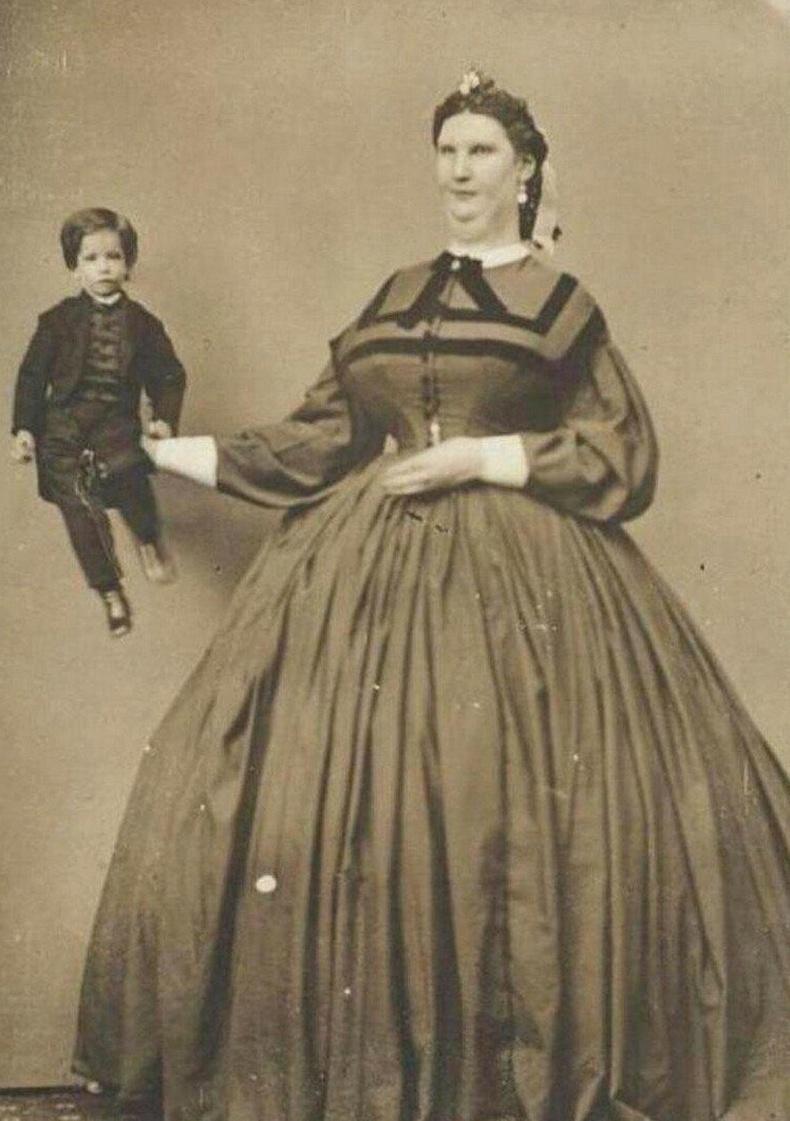 Аварга биет охин Анна Свон