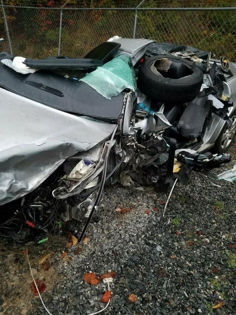 Эсрэг урсгалаас ирж байсан машины жолооч зүүрмэглэснээс болж хүний амь эрсдэх дөхсөн байна.