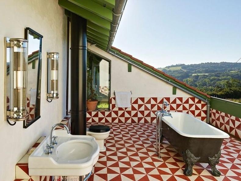 Францын Аквитан мужийн гадаах угаалгын өрөө