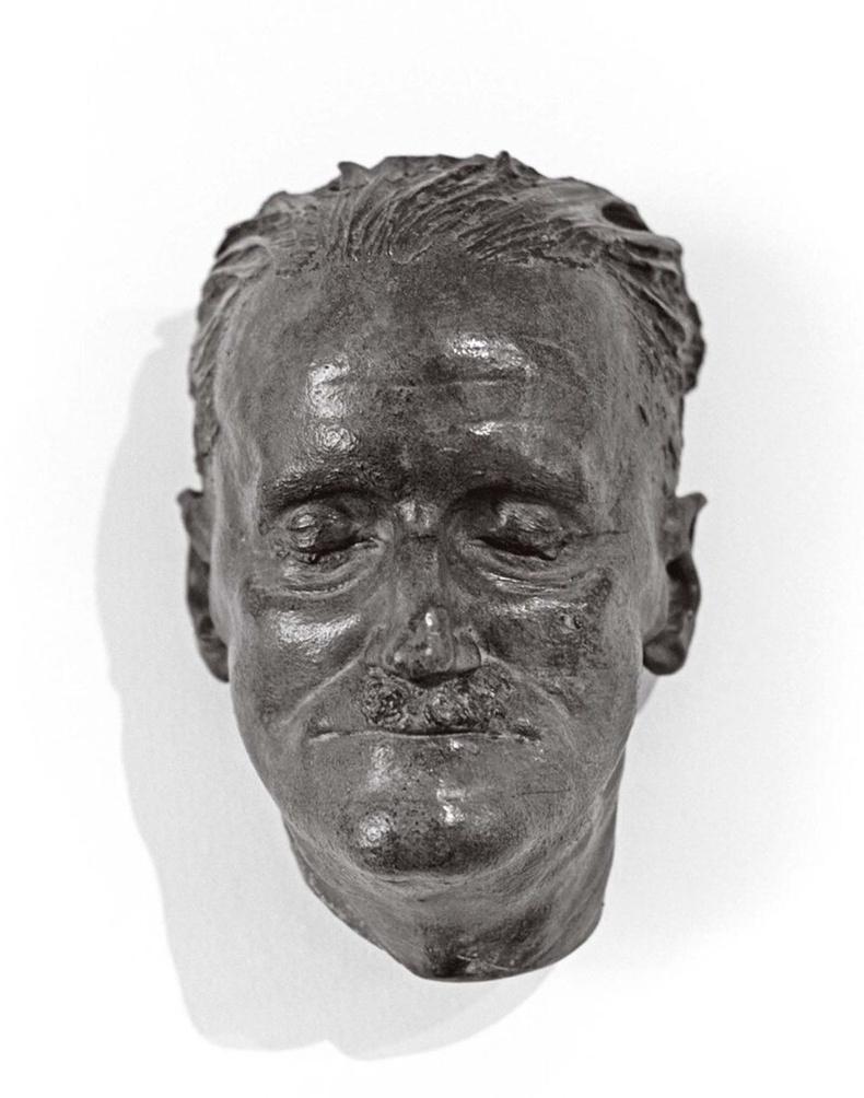 Ирландын зохиолч, авангардизмын гол төлөөлөгч Жеймс Жойс (1882-1941)