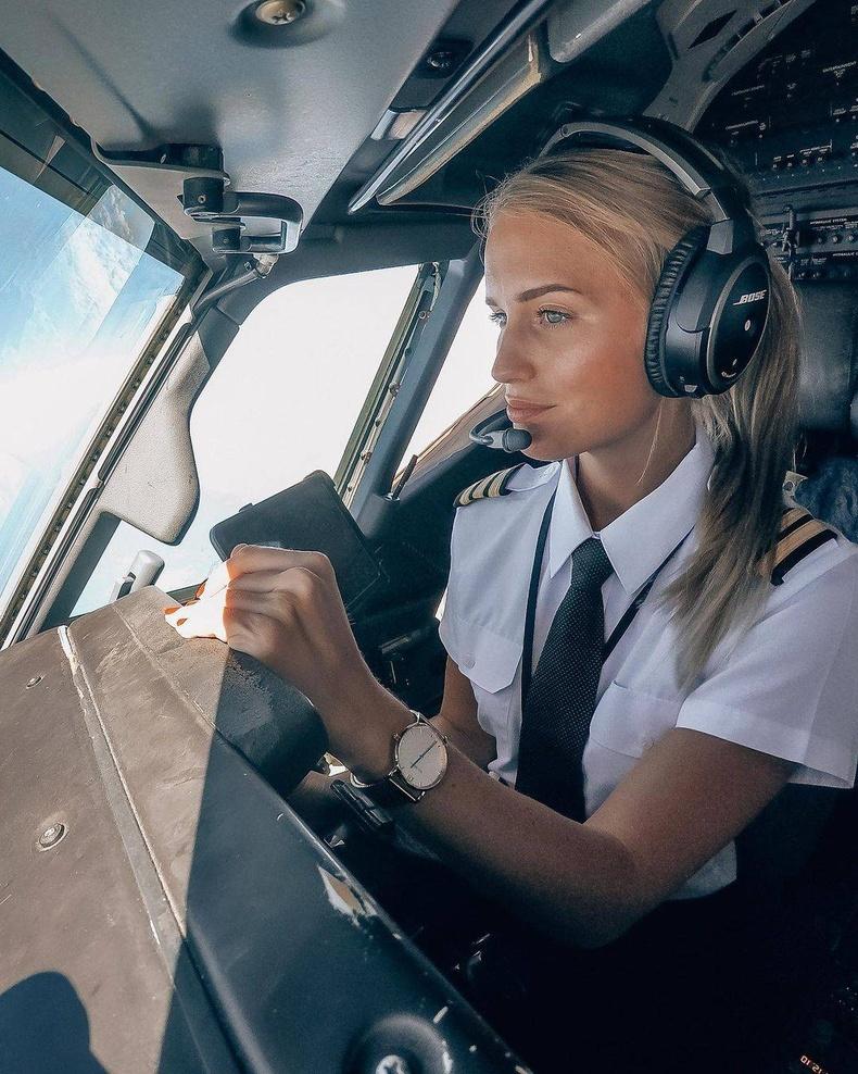 Испани дахь Шведийн агаарын тээврийн компанийн нисгэгч Мариа