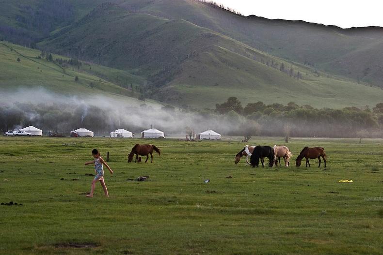 Монголын өглөө - Улаанбаатар хот, Гачуурт орчим
