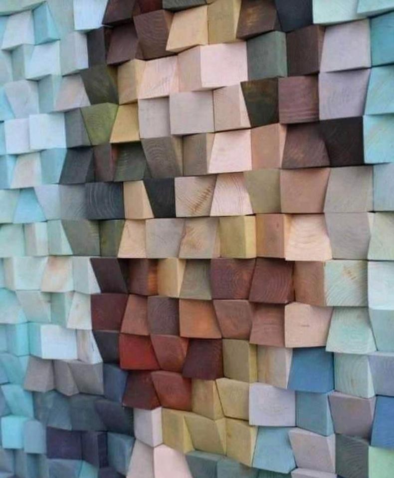 Нүдээ 80 хувь онийлгож харвал та доорх зургаас Ван Гогийн хөргийг олж харах болно