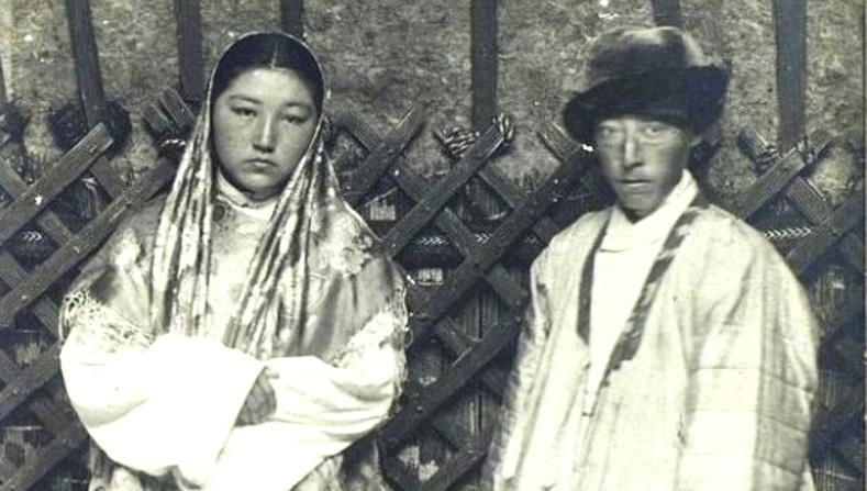 Казахын ард түмэн 100 жилийн өмнө... (40 фото)