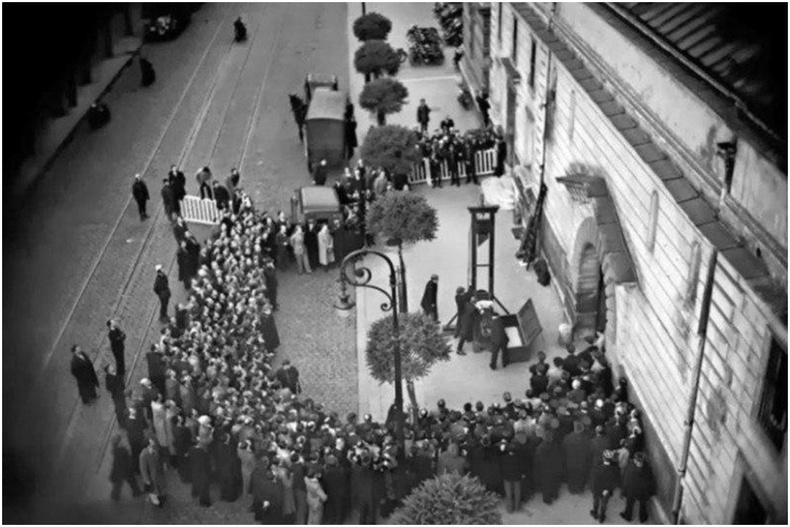 Толгой авах ялыг сүүлийн удаа гүйцэтгэж буй нь - Франц, 1940 он