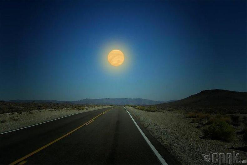 Сугар гараг нь сарнаас 3,5 дахин том ба тэнгэрт 6 дахин гэрэлтэй харагдана. Энэхүү гараг нь газрын гадаргын температураас 400 градусаар их хамгийн халуун гараг юм.