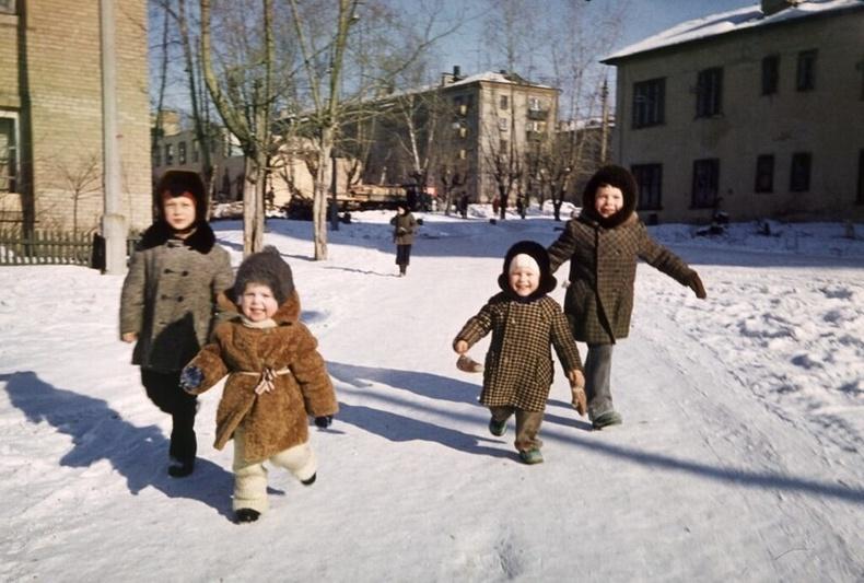 Оросын нэгэн хотын багачууд -1980-аад он
