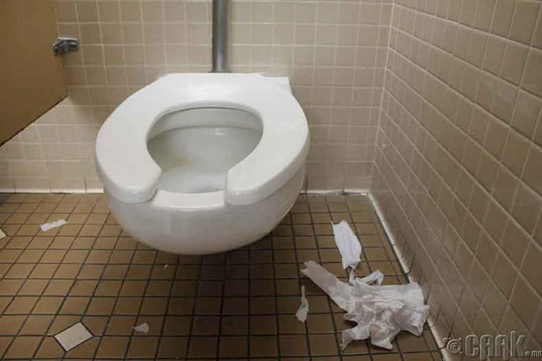 41 хоногийг угаалгын өрөөнд өнгөрүүлсэн