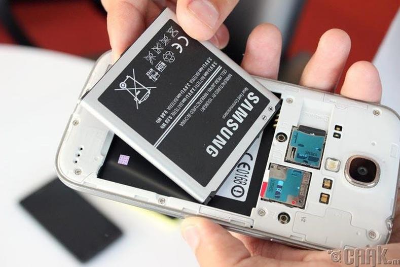 """""""iPhone"""", """"Android"""" хоёрын аль нь илүү вэ? """"Android"""" утасны батарей"""