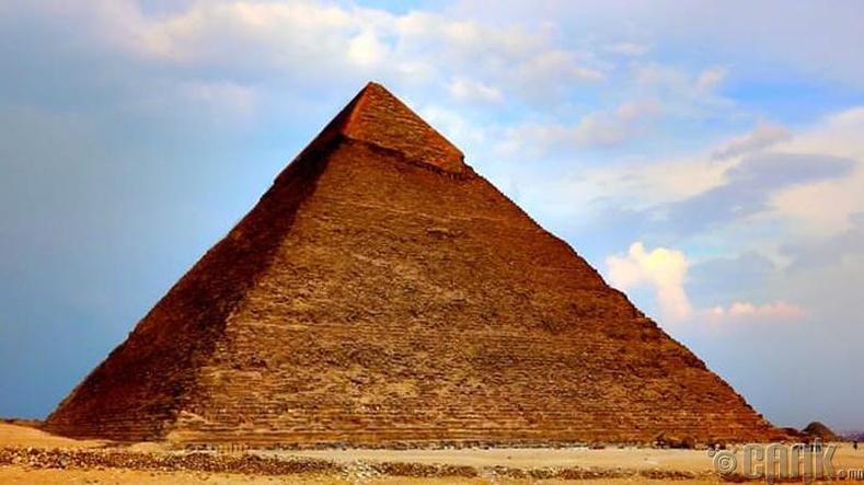 Египетийн пирамидыг юугаар хийсэн бэ?