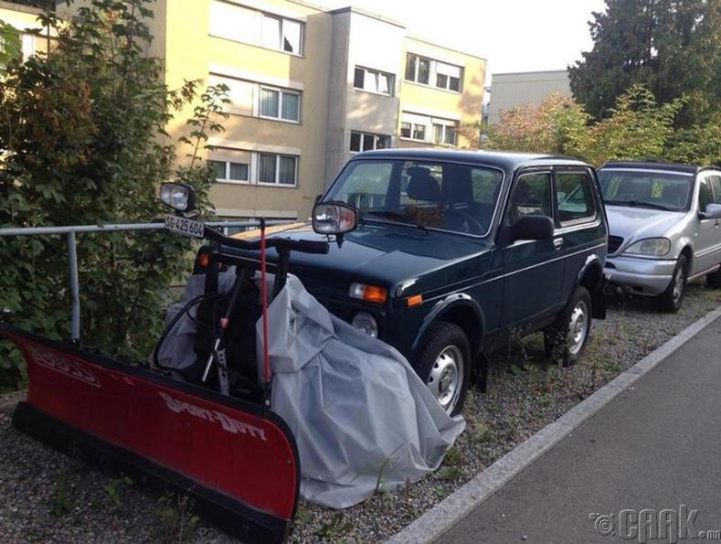 """Швейцарын тариаланчид """"Нива"""" загварын машин унах дуртай"""