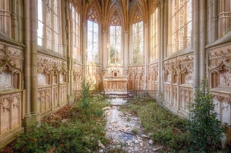 Хаягдсан сүм, Парис